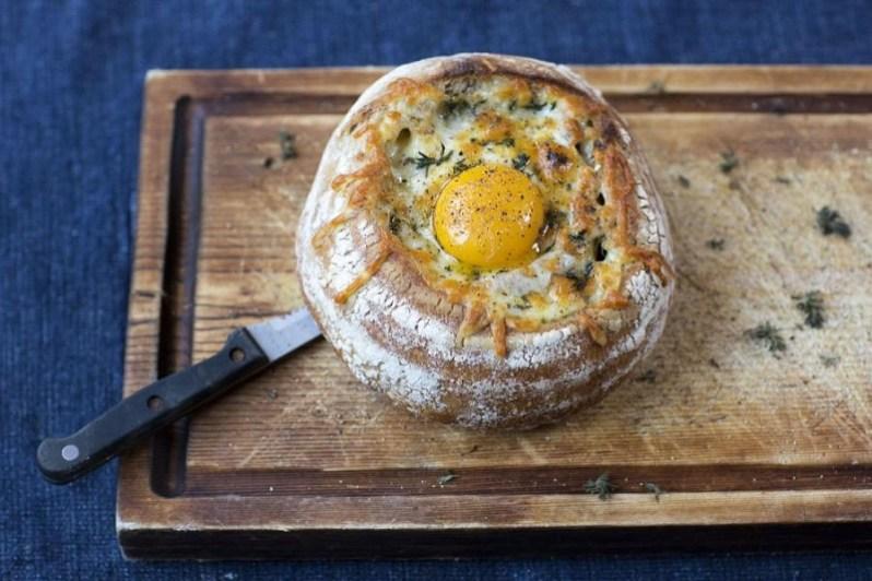 Meat-Breakfast-in-bread_1