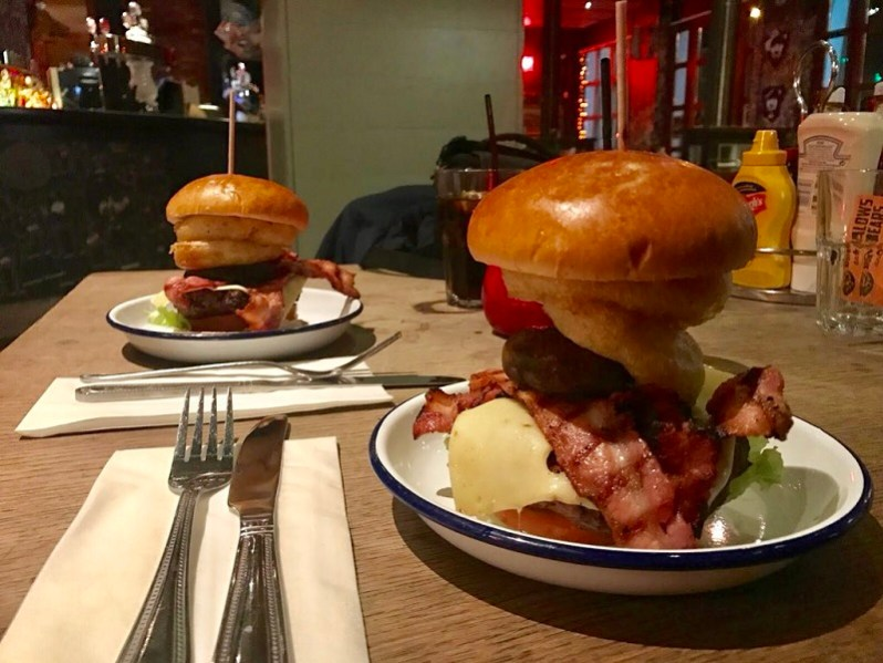 bungalows-and-bears-burgers-sheffield-review