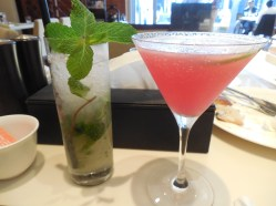 Lemon Mint and Berry Mocktail