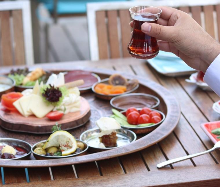 best-breakfast-places-in-dubai