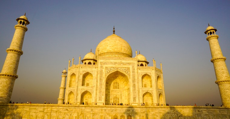 taj-mahal-one-day-trip-to-agra