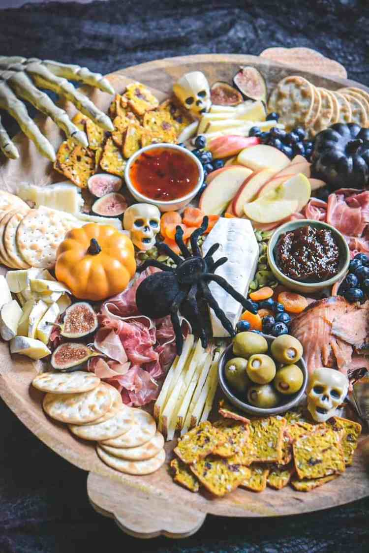 Easy Halloween Charcuterie Board