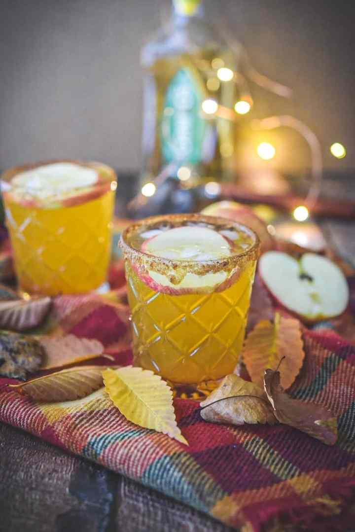 The Best Apple Cider Margarita - hungrytravelingmama.com