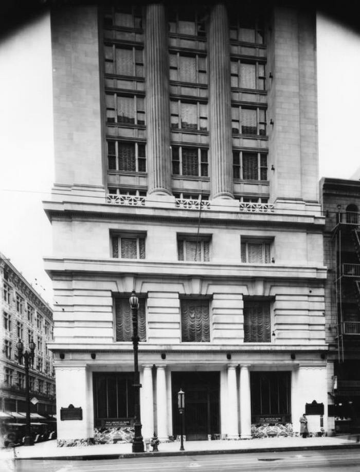 The Merritt Building in the 1920s.