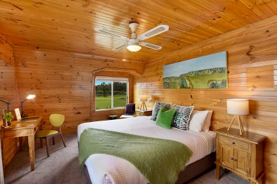 Flatrock Bedroom - Retreat
