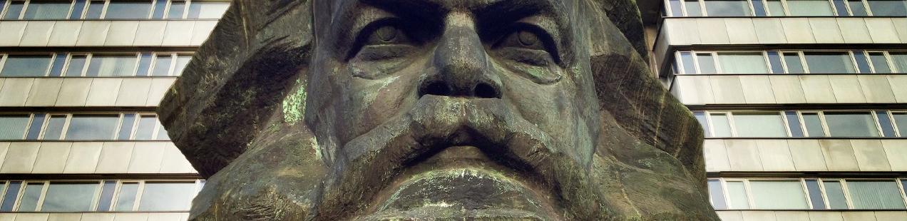 Nischel Karl Marx Statue Chemnitz Octopussy