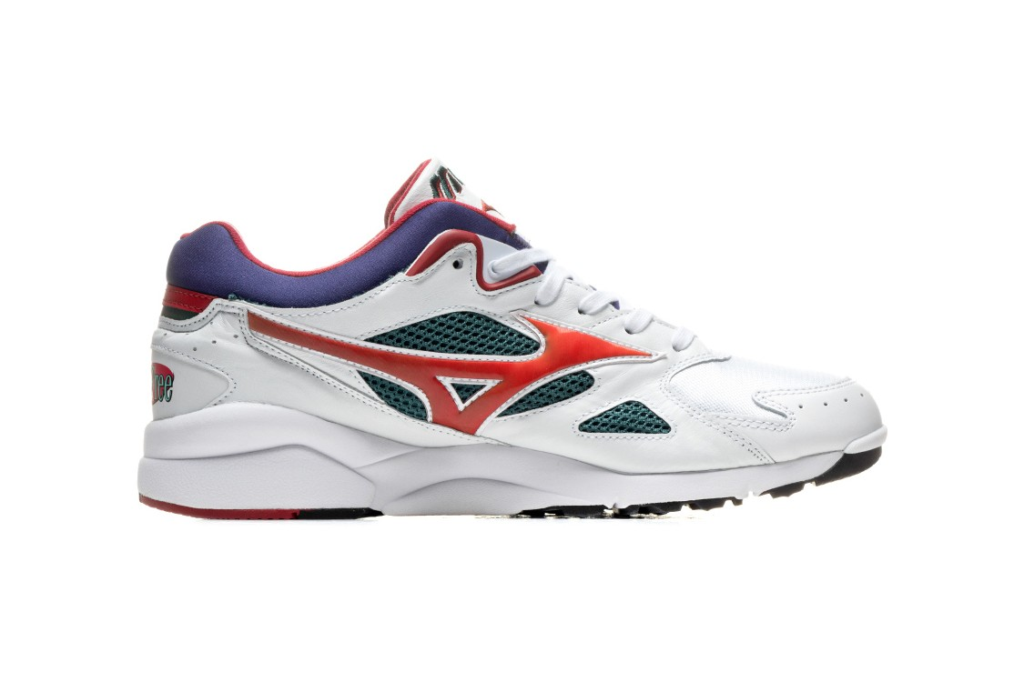 Carefree's Mizuno Sky Medal Collaboration Is a Homage to the '90s