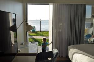 What to do in Tampa with Kids? Stay at the Bay Harbor Hotel for a great views of Tampa Bay. www.huntingforrubies.com