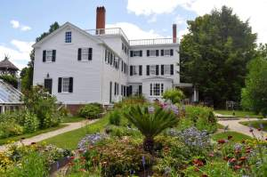 A Family Travel Guide to Fun Activities on the New Hampshire Seacoast - Strawbery Banke Museum in Portsmouth, NH. www.huntingforrubies.com