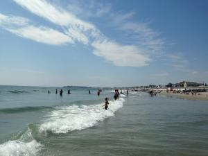 A Family Travel Guide to Fun Activities on the New Hampshire Seacoast - Hampton Beach. www.huntingforrubies.com