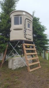 Adjustable Heights, Guide Shoots, Deer Blinds, Redneck Hunters, Muudy Feet Hunts, Feed Plots