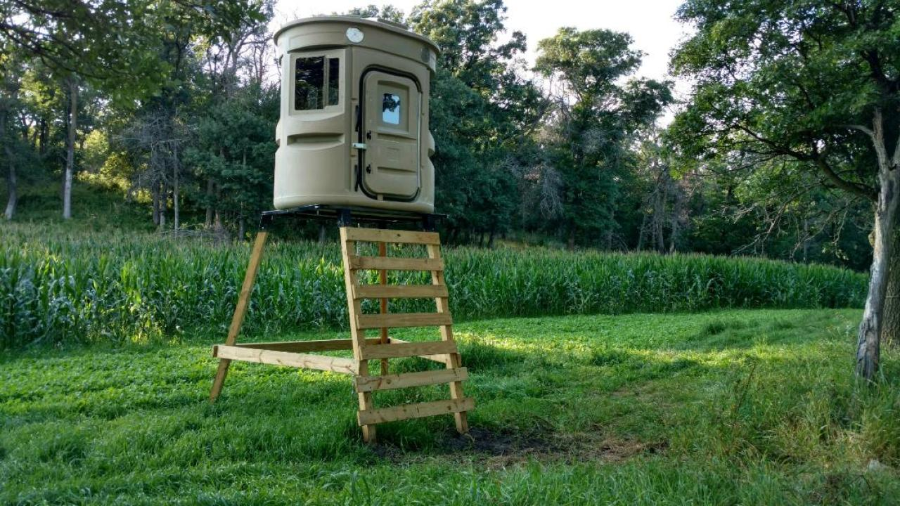 FOOD PLOT, TOWER STAND, HUNTING BLIND, 360° SHOOTING VIEWS
