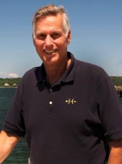 Hunt-Yachts-Sales-Director-Brad-Beebe