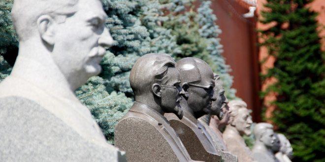 """Képtalálat a következőre: """"Sztálin mellszobra Moszkvában-kép"""""""