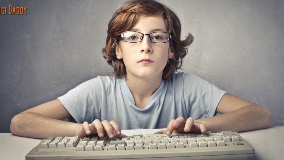 Opettaako lapselle kieliä vai koodia?