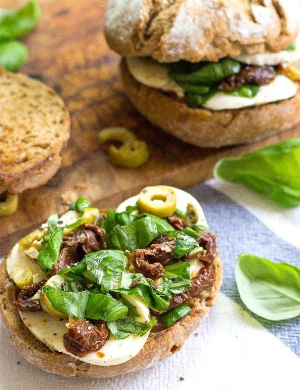 The Runner's Sandwich - 18 Vegetarian Breakfast Ideas | hurrythefoodup.com