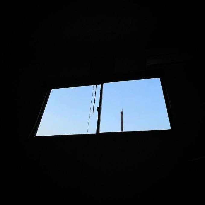 もうすぐ夜が来るこの角度が好き#プレハブ日記#空を眺めて#過ごす時間#床張り替え#完了#土足終了#今日も#間取り図#妄想#おやすみ中