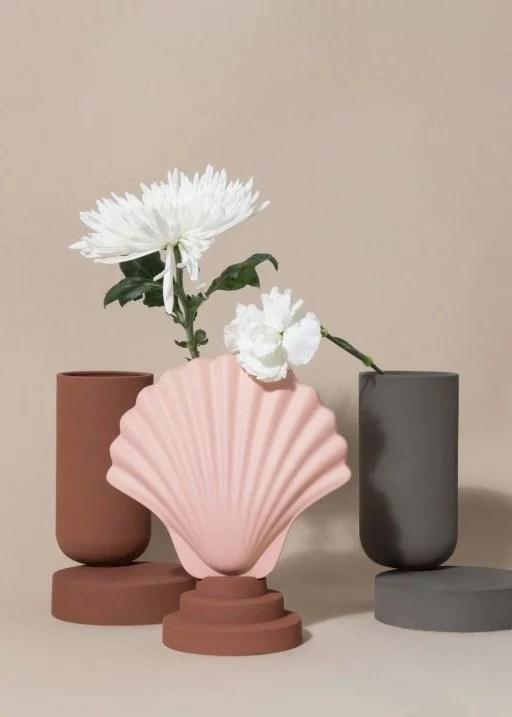 Los Objetos Decorativos, shell boxes and vases