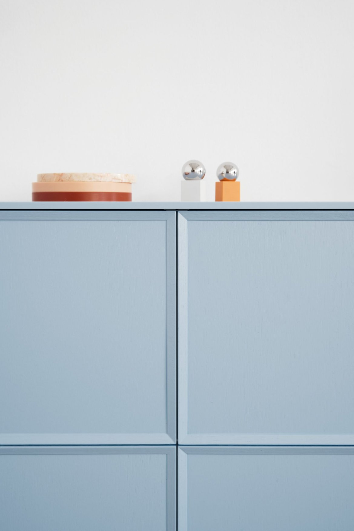 Reform light blue kitchen cabinets by Note Design Studio .