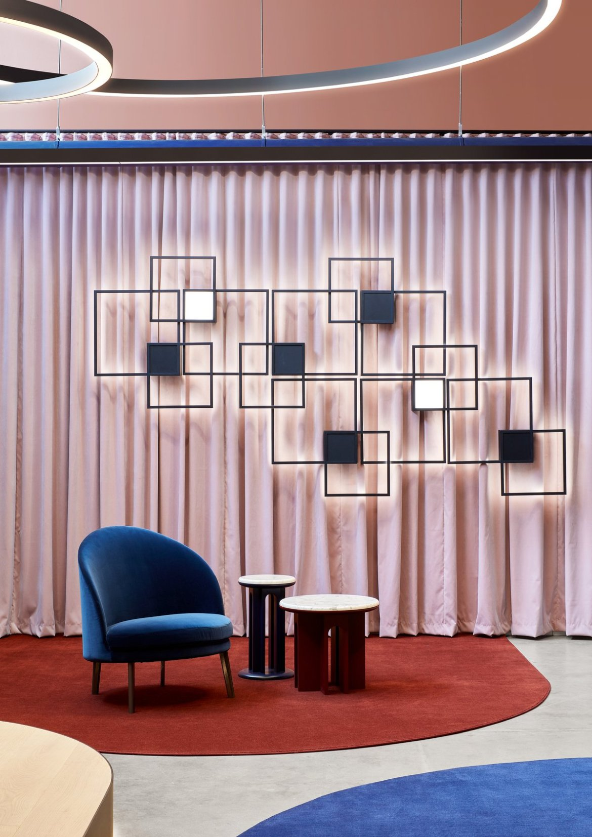 Christopher Elliott creates the extraordinary Est Lighting's showroom.