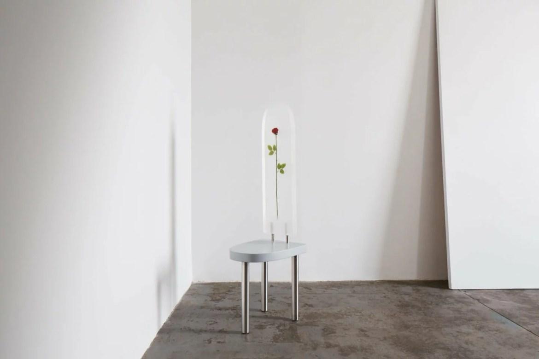 Chaise Mono Rose par le designer Américain Winston Cuevas pour Huskdesignblog à Art Elysées