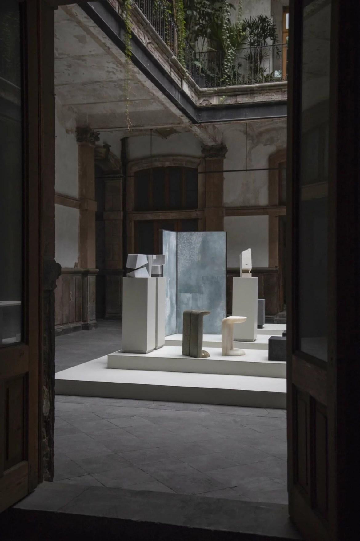 """Latin American Design, UNNO Gallery, 32 General Prim, a """"Porfirian"""" house in Mexico"""