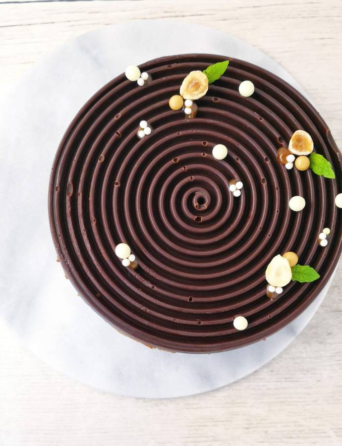 Chocolate Biscuit Cake with Praline
