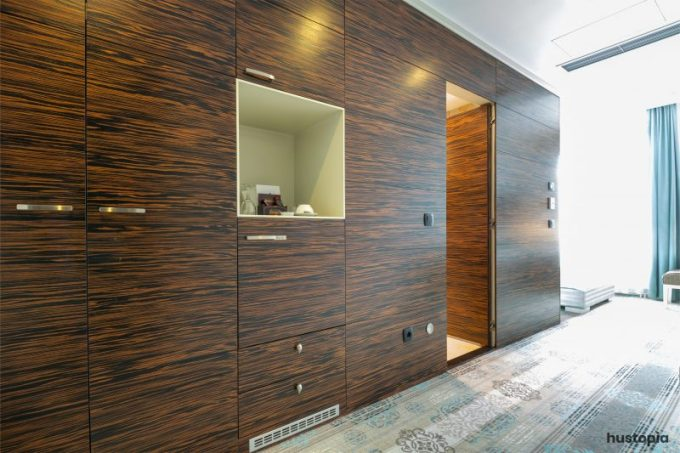 Hidden wood closet door ideas