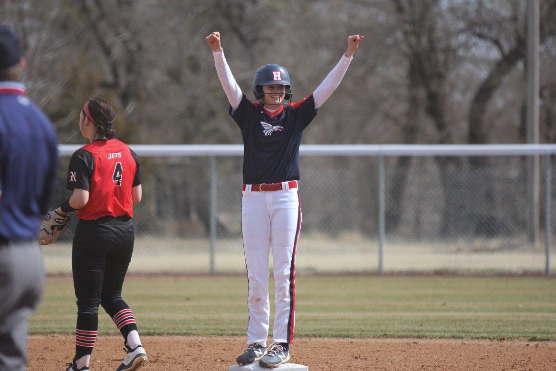 Sports roundup: Softball picks up big win, Track & Field wins honor