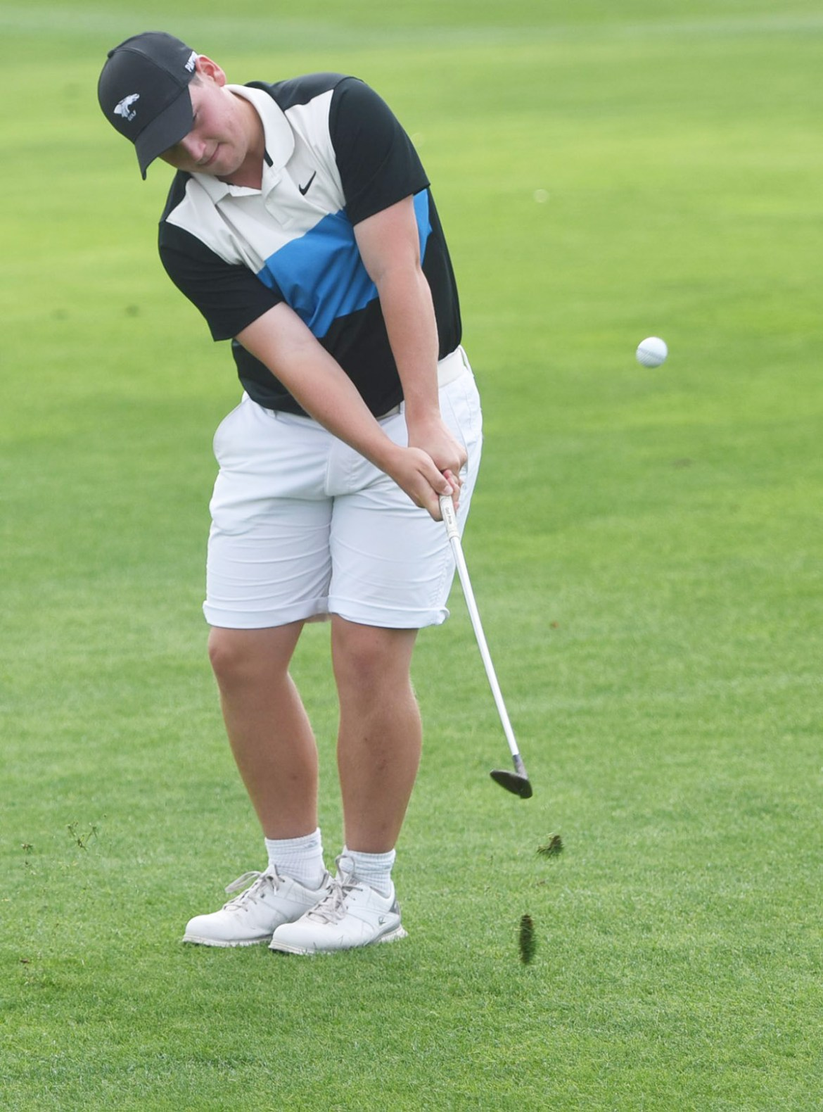 Blue Dragon golf celebrates national title