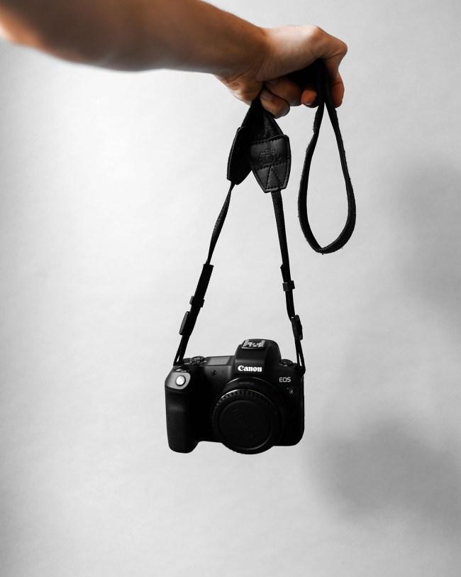 Studio | Welcome DSLR or Mirrorless? Wat heeft jouw voorkeur of waar werk je op dit moment het liefst mee? Systeemcamera : Canon EOS R