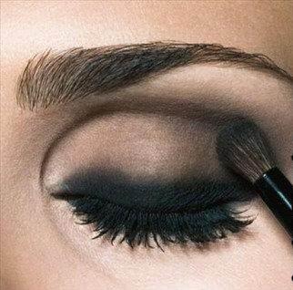Покоряйте-сердца-мужчин-с-макияжем-Смоки-айс-Smoky-eyes-4
