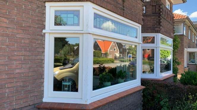 Nieuwe ramen onder en boven