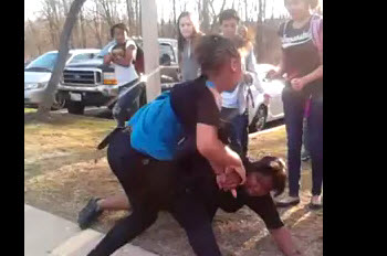 Really 7th Grade Girl Fighting A Mother After School  World Star Uncut