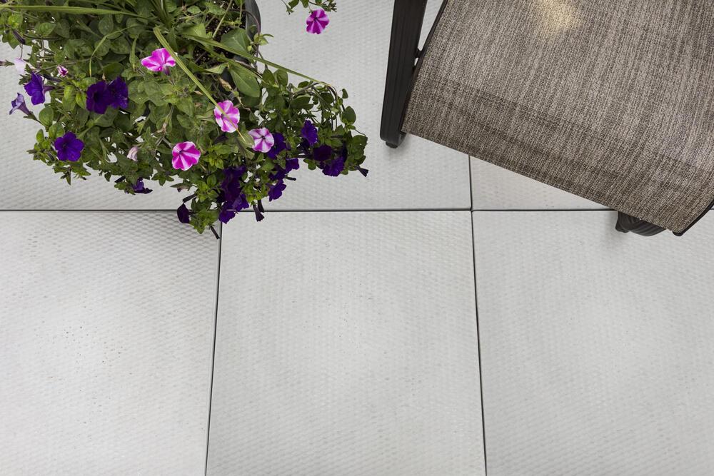 24 x 24 wetcast diamond pattern patio