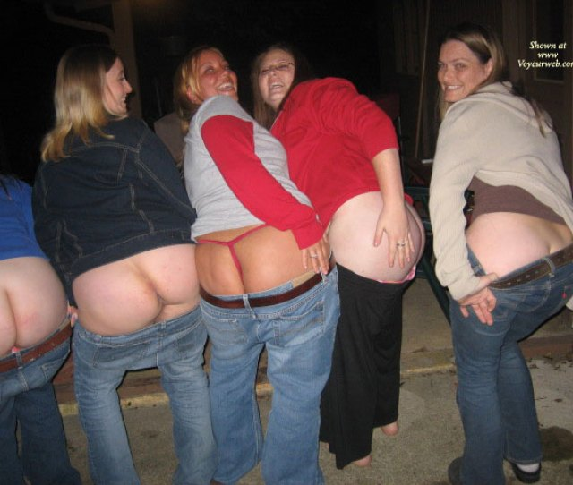 Local Ladies Mooning The Camera August  Voyeur Web Hall Of Fame