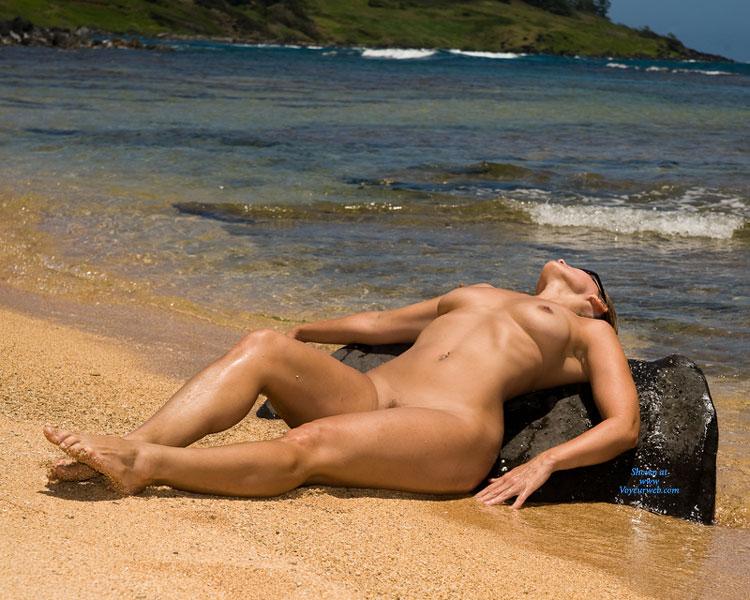 Wife nude on a island  Sex photo