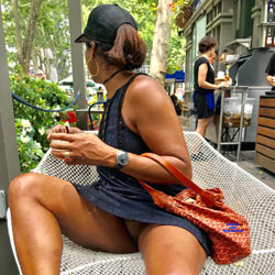 Fun In Nyc Pantieless Girls Public Exhibitionist Flashing Outdoors Public Place