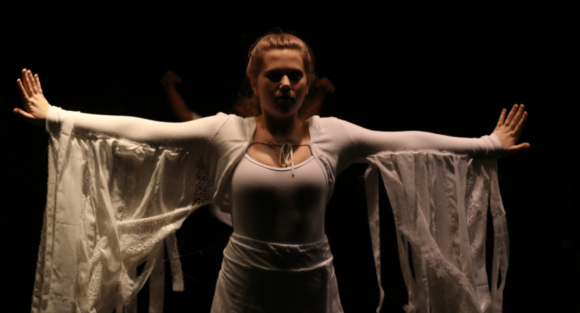 Alexa Frandzel '18 performs a dance during the Advanced Dance I and II showcase. Credit: Pavan Tauh '18/Chronicle