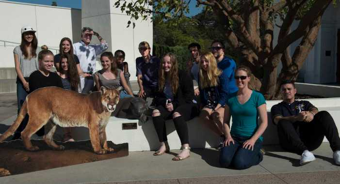 Mountain lion expert visits photography class