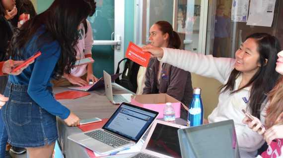 Sophomore organizes voter registration drive