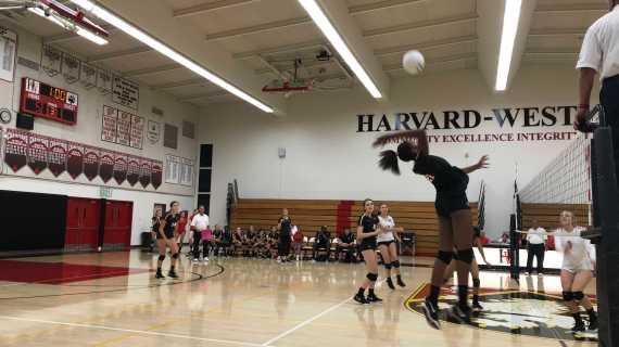 Girls' Volleyball Defeats FSHA 3-0