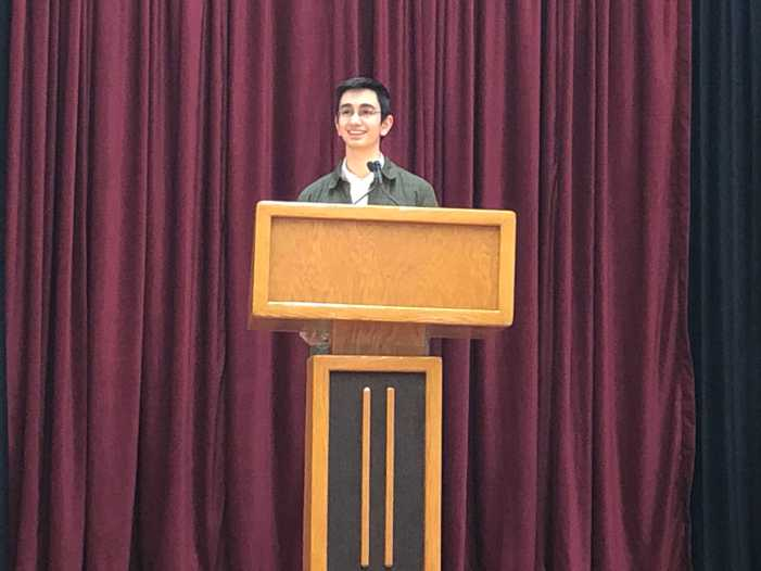 Head Prefect candidates address sophomore, junior classes