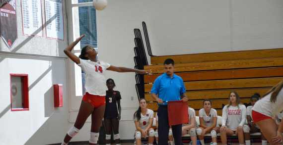 Girls' Volleyball falls to Long Beach Poly in the home-opener
