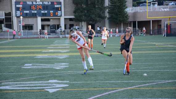 Field Hockey remains perfect, defeats Huntington Beach
