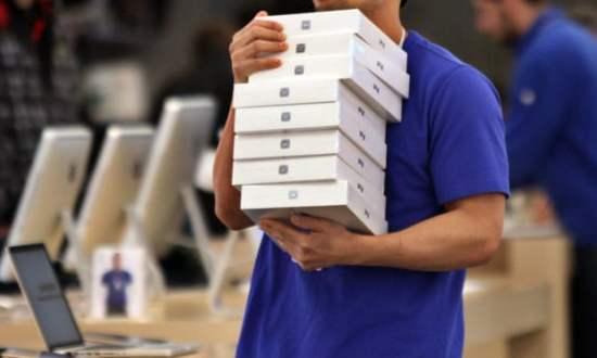 Apple güvenlik şefi, silah ruhsatı için polise rüşvet vermekle suçlandı