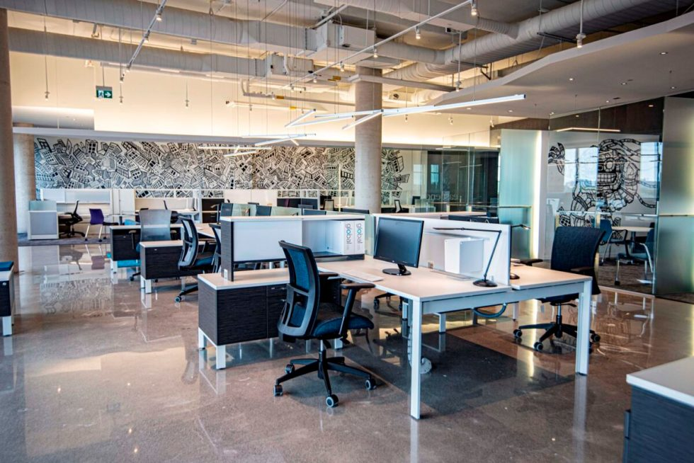 Benching Systems and desks by Harris WorkSystems Tigard, Oregon PDX