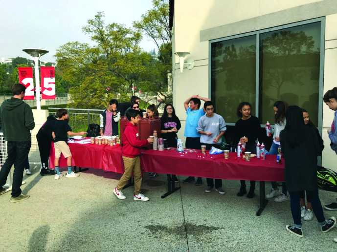 The hot chocolate stand was one of the events that took place during Winter Week along with many others such as Ugly Sweater Day and a movie day on that Friday. Credit: Zoe Redlich '20 / SPECTRUM