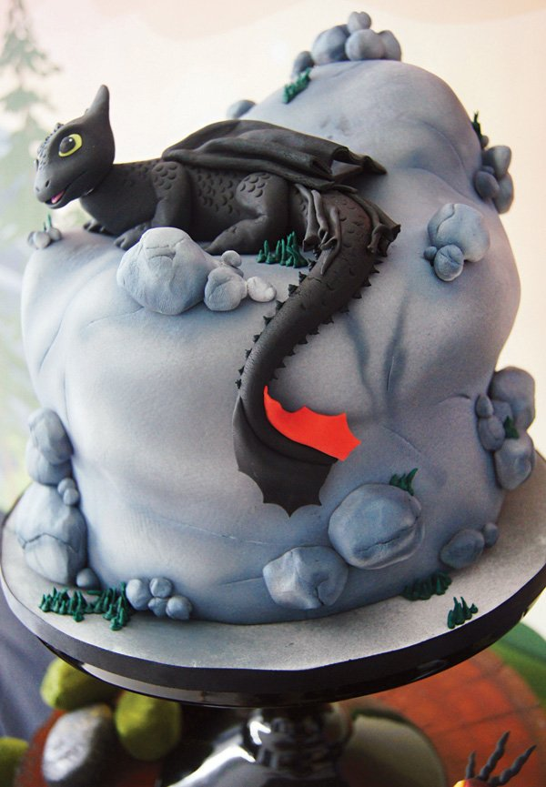How To Train Your Dragon Cake Decorating Ideas
