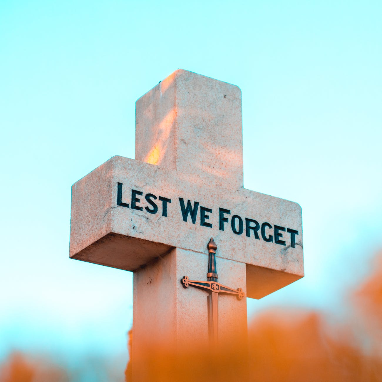 lest we forget tombstone